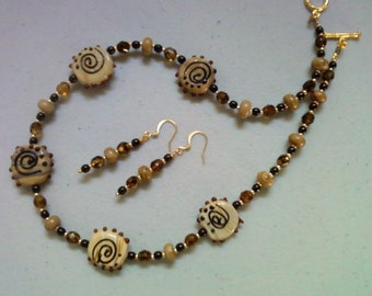 Mocha and Black Necklace and Earrings (0340)