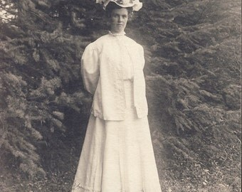 Della in Edwardian COTTON DRESS with SUMMER Flowered Hat Photo Postcard Portland Oregon 1907