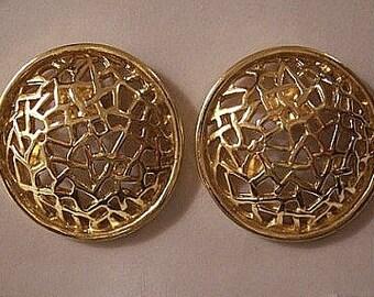 Webbed Path Open Disc Pierced Stud Earrings Avon Vintage Round Gold Tone Open Weaved Design