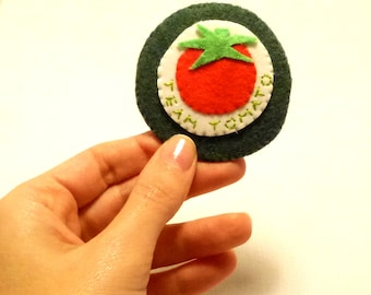 Felt Brooch, tomato applique, felt food brooch, red tomato, vegetable, fruit brooch, food brooch, Handmade by Marumadrid