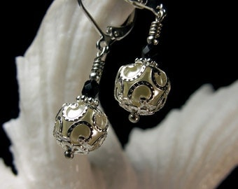 Black & White Crystal Pearl Drop Victorian Earrings, Antique Silver Filigree, Titanic Temptations Vintage Edwardian Bridal Style Jewelry