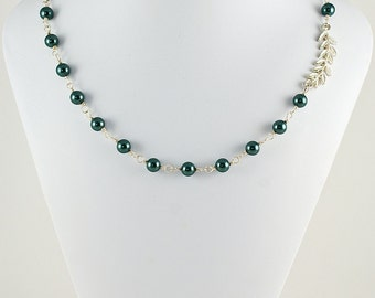 Lovely Leaf & Pearl Necklace in Silver