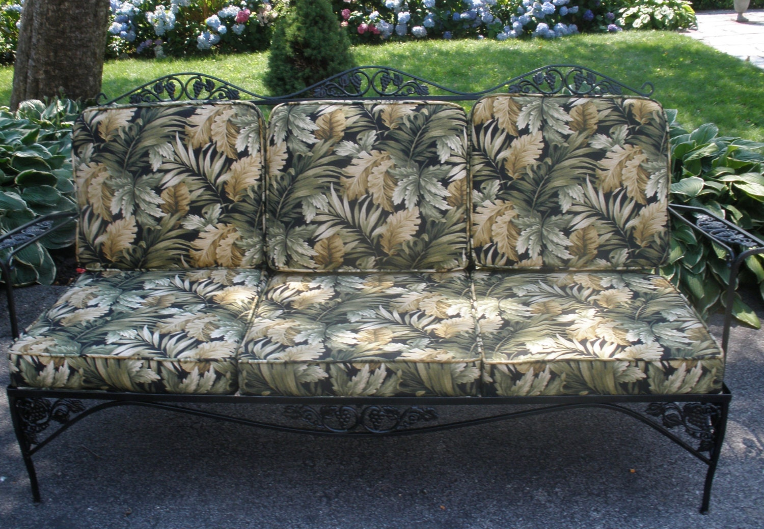 Wrought Iron Sofa Couch Woodard Grapes Leaves Tropical