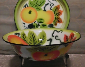 Vintage Enamelware Apple Granite Wear Fruit Bowl and Tray  Mid Century  Kitsch  Kitchen Prmitive