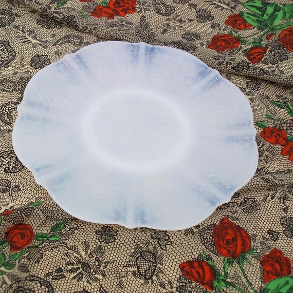 Opalescent Glass, Cake Plate, American Sweetheart, 1930s, Depression Glass Plate  / White