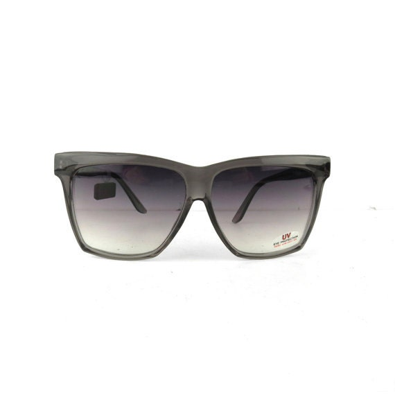 NEW 70s vintage sunglasses wayfarer style grey acrylic frames