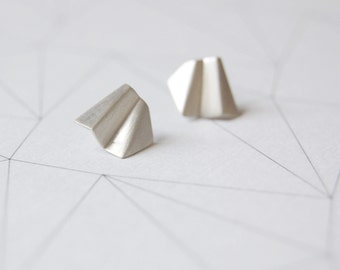 Dedicated matte silver folder stud earrings  //  faceted earrings // GM002