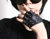 Genuine Leather Runway Punk Rocker Fingerless Sparkling Stud Biker Rider Gloves (17 to 18cm palm)