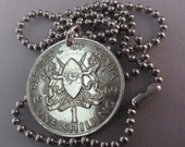 COIN JEWELRY KENYA. coin necklace Kenyan. africa. lion. shilling. crest.  chain unisex. mens jewelry. 1969 No.001370