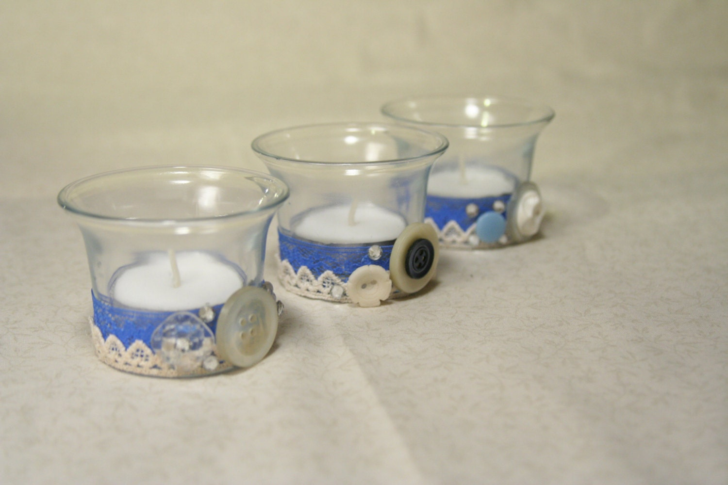 last chance candle holders glass tea light blue tea light. Black Bedroom Furniture Sets. Home Design Ideas