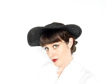 Vintage Hat . 1950s Black Straw Hat . Woven Celluloid Straw . Hairdo Show Off Chapeau