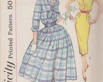 1950s Full or Pencil Skirt Shirtwaist Dress Vintage Pattern, Simplicity 2580, Rockabilly, Mad Men, 3/4 or Short Sleeves, Shirt Collar, Tie