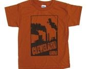 VENTE: Jeunesse Tee - Cleveland cheminées en Orange et marron