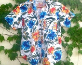 90s Floral Shirt - White Blue Red Yellow Green color - Size Small - short sleeve button up hawaii