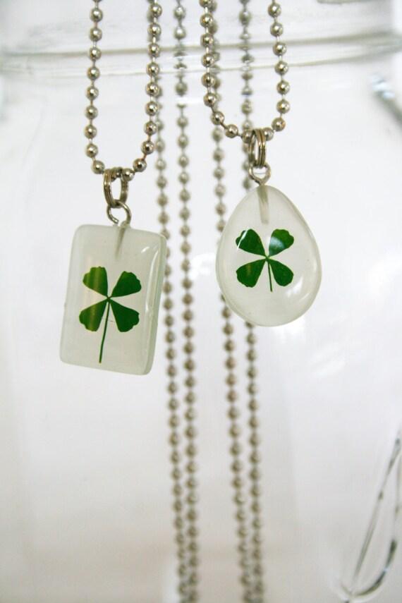 St Patricks Day necklace 4 leaf clover green lucky clover