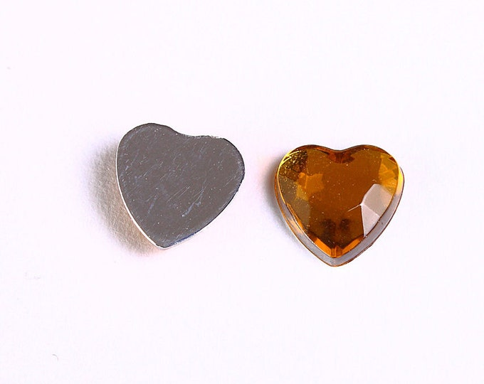 Dollar Sale Clearance - 8mm Yellow heart cabochons - Yellow faceted heart cabochons with Silver Foil - Yellow resin cabochons - 10pcs (967)
