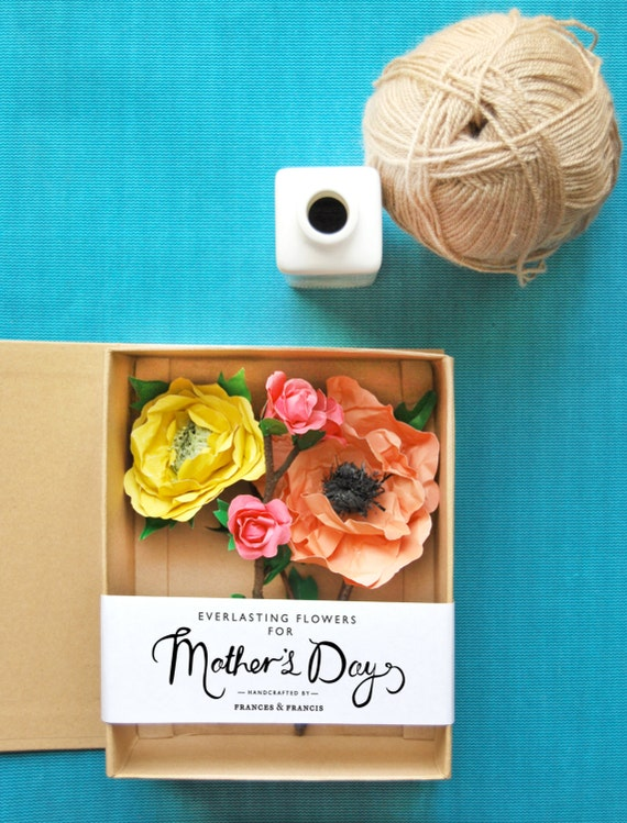 Gift box with paper flowers perfect for Mother's Day