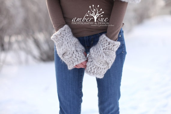 La Luna Gloves - Hand Knitted Gloves / Cable Knit Gloves / Fingerless Gloves / Thick Gloves / Hand Warmers / Wrist Warmers / Custom Order