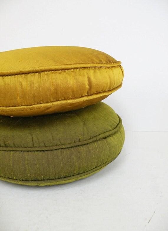 Pair Of Vintage Round Satin Throw Pillows Green Golden