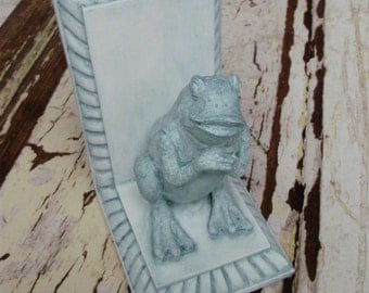 Book End Frog Hand Painted Rainforest Green