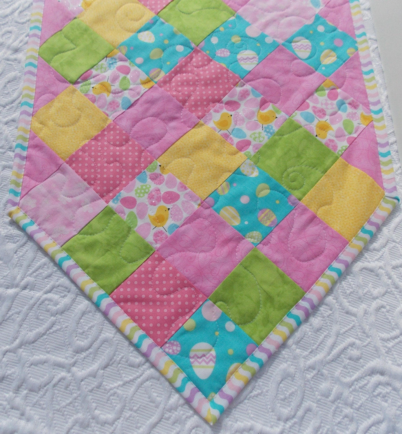 easter table runner quilt yellow blue pink green spring. Black Bedroom Furniture Sets. Home Design Ideas