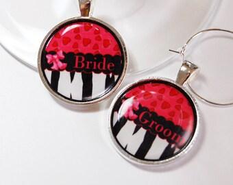 Wedding Wine Charms, Bride Groom, Wine Charms, Wedding Shower, wedding reception, table setting, black, pink, red (2599)