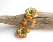 Vintage bracelet, Czech glass cabuchon gold flower link bracelet, statement jewelry