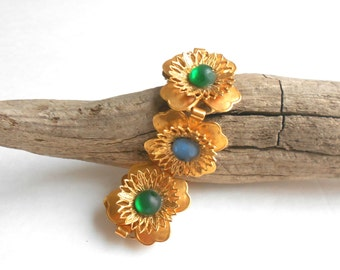 Vintage bracelet, Czech glass cabuchon gold flower link bracelet, statement jewelry