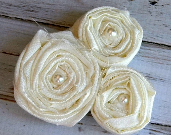 Ivory Flower Girl Hair Accessory White Flower Hair Clip Flower girl hair bow Weddings Flower girls Hair Bows Bridesmaid Hair Piece