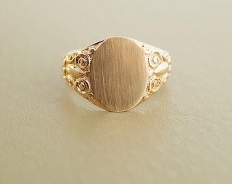 Vintage Ring - Men's Vintage 14k Yellow Gold Signet Ring