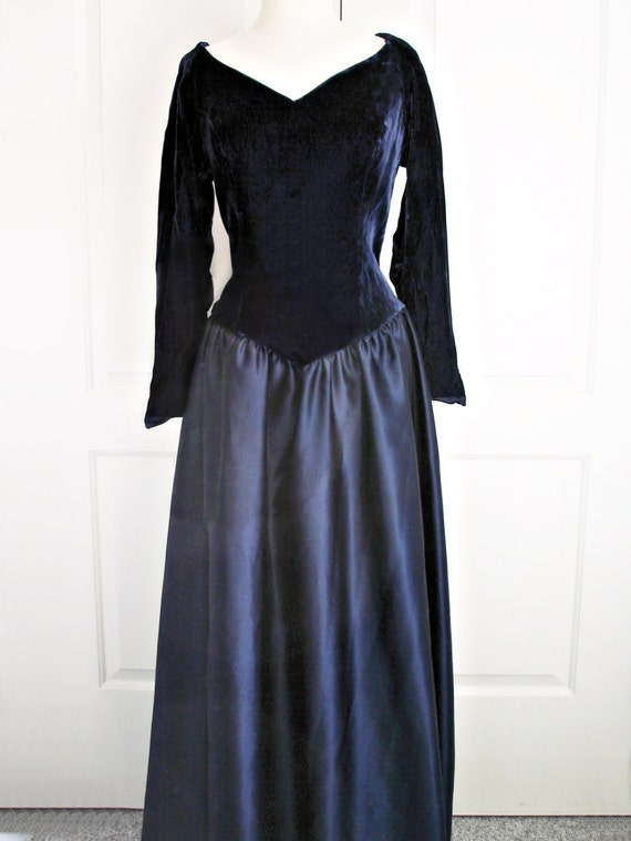 Vintage 80s Dress Midnight Blue Velvet Taffeta Navy Blue