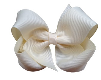 4 inch Ivory hair bow - hair bows, toddler hair bows, girls hair bows, girls bows, baby hair bows, baby bows, boutique hair bows, hair bow