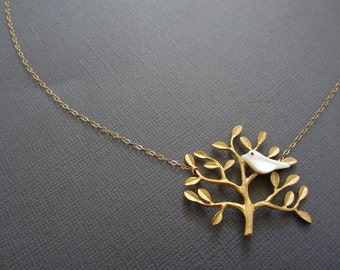 Tree of life Necklace, Mother of pearl Bird on tree branch necklace, Tree branch necklace, Tree necklace, leafy branch charm pendant