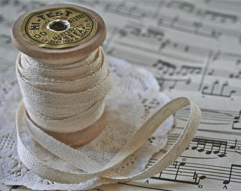 Vintage Style Bobbin with 10 Yards Cotton Tape