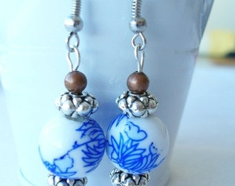 White glass blue flower earrings - blue glass earrings - flower earrings - blue flower jewelry - glass jewelry - blue flower jewelry