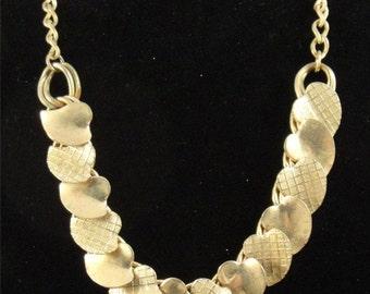 SaLe! Vintage stylized gold-toned HEART Necklace 1950's - 1960's (74)