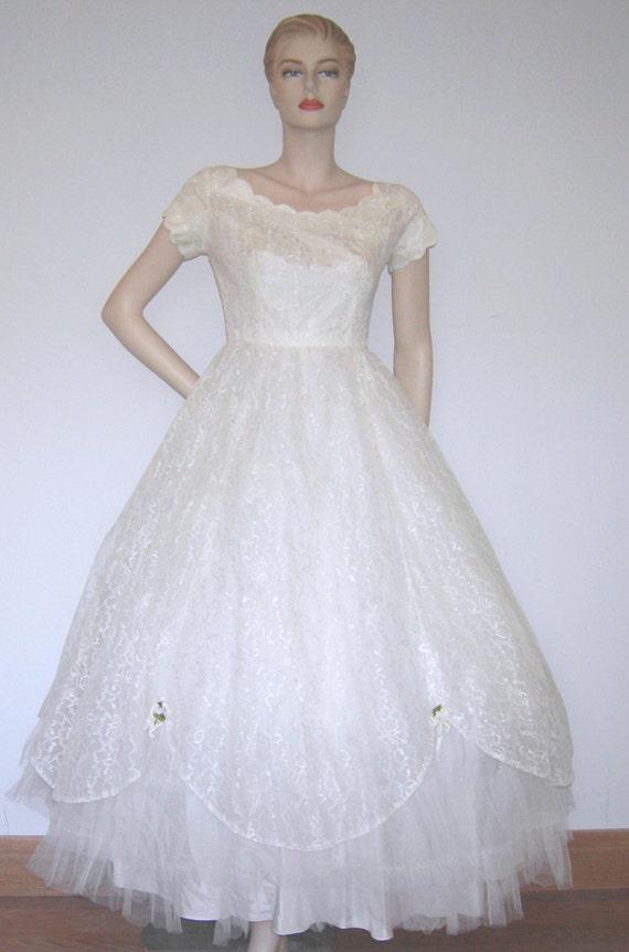 Vtg 50s emma domb ca lace wedding dress taffeta silk tulle for Full length slip for wedding dress