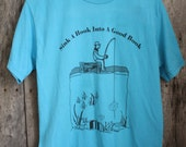 """Vintage """"Sink A Hook Into A Good Book"""" T-shirt - Size M"""