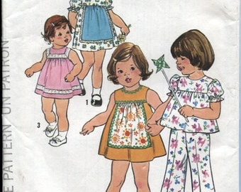 Simplicity 4709, Toddlers Size 1 , Dress Top and Pants Pattern, Uncut , Circa 1976