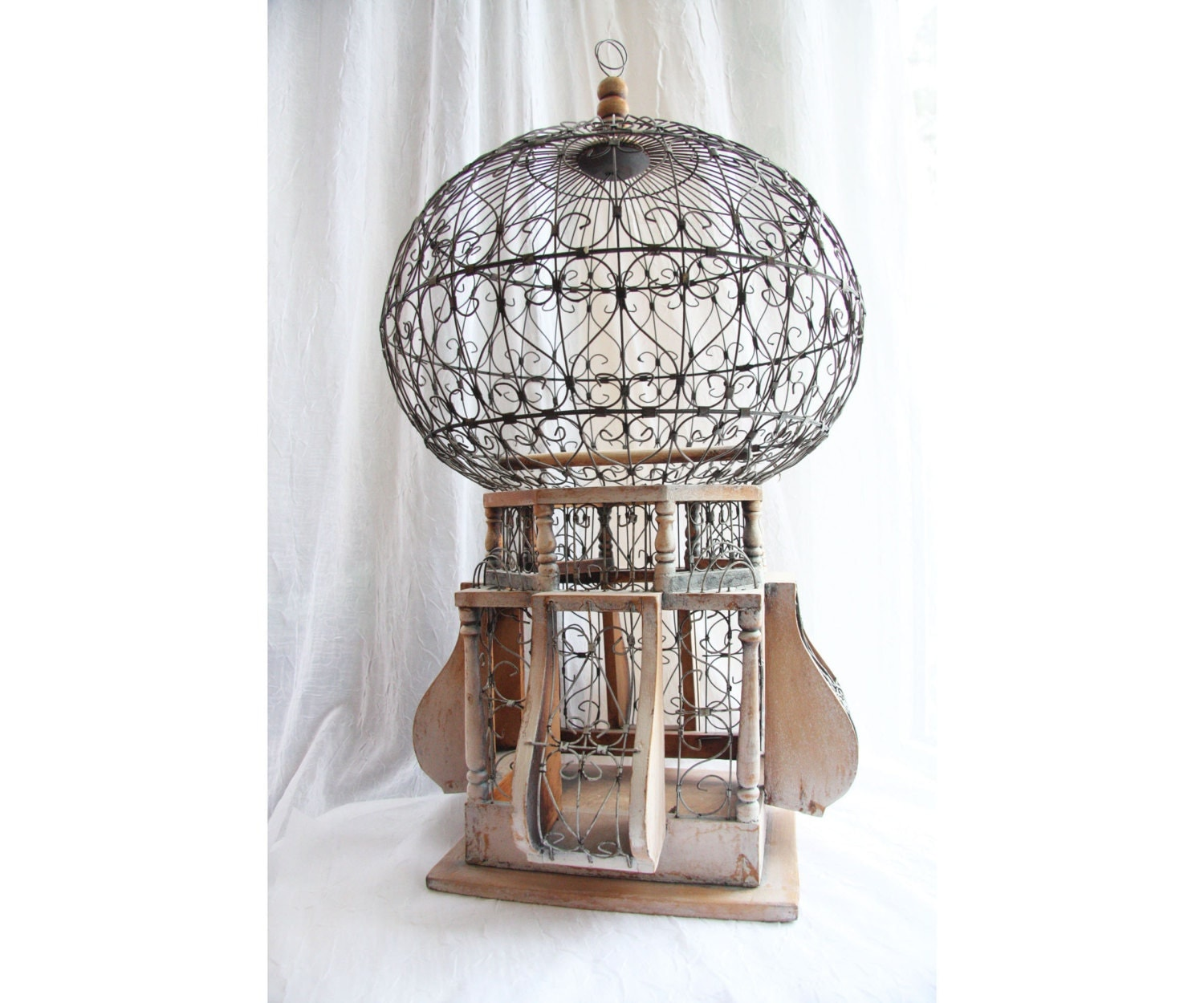 Large vintage victorian bird cage 1800s round dome by for Antique home decorations
