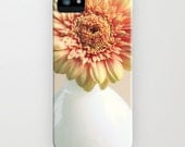 iPhone Case - 5 4 4s 3g 3gs - Creme Gerbera - flower - blossom - creme - beige - antique pink - red floral - flowered - romantic - vintage