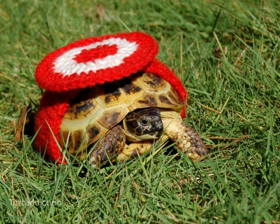 Tortoise or Turtle yard finder, crocheted red and creme bulls-eye, 4.5-5.5 inch shell length