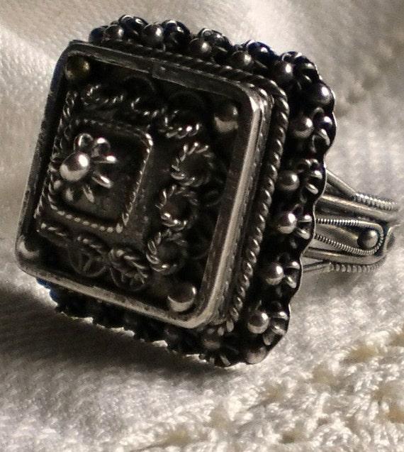 Vintage Sterling Silver Filigree Poison Ring