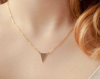 Minimalist triangle necklace - Dainty tiny triangle necklace - Gold plated geometric jewelry