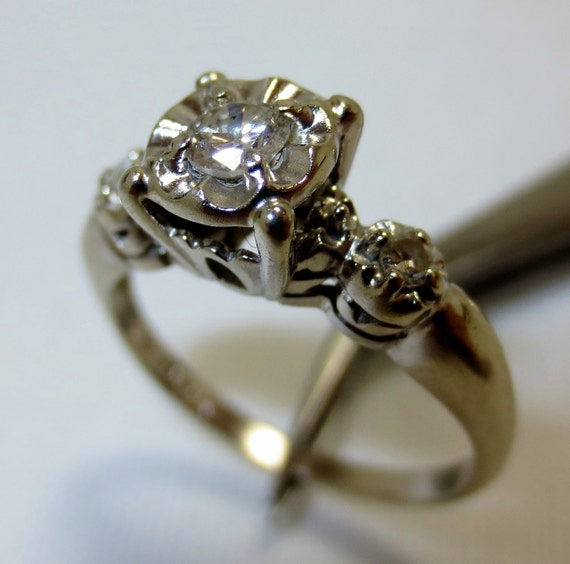 VINTAGE 1950s DIAMOND ENGAGEMENT wedding ring in 14k white