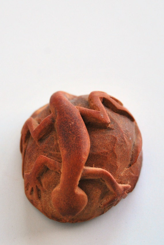 Lizard sculpture / pendant / necklace carved from avocado pit / seed