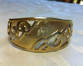 Vintage Gold Tone Cuff/Bangle/Bracelet