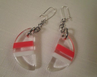 Vintage / NAUTICAL LUCITE / Earrings / Pierced / Striped / Layered / Laminated / Clear / Red / White / Patriotic / Chic / Hip / Accessories