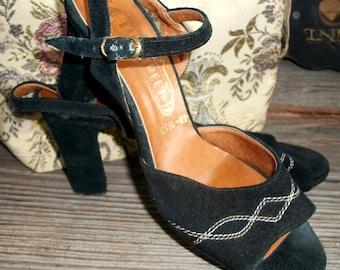 "Vintage ITALIAN Heels, ""Easy Street"" Brand, Ankle Straps, Black Suede w/Tan/Cream Stitching, Size 7N, Chunky Heels, 70's or Earlier"