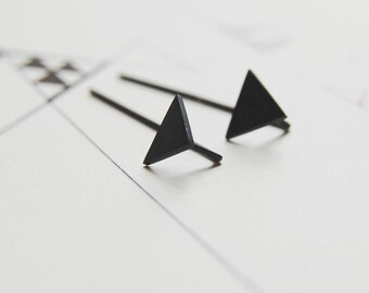 Triangle ear jackets // Oxidized silver geometrics triangle // triangle earrings // GM007